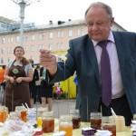 В Горно-Алтайске прошел медовый фестиваль (фото)