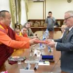 Пандито Хамбо лама заложил символы мудрости в основание буддийского храма в Майме (фото)