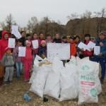 В Кош-Агачском районе очистили от мусора Красную горку