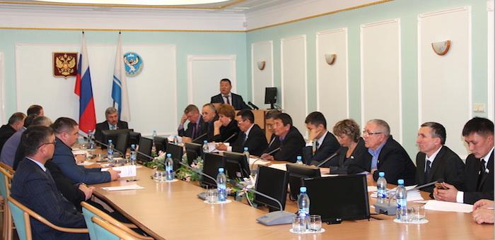На правительственном часе в Эл Курултае обсудили вопросы межнациональных отношений