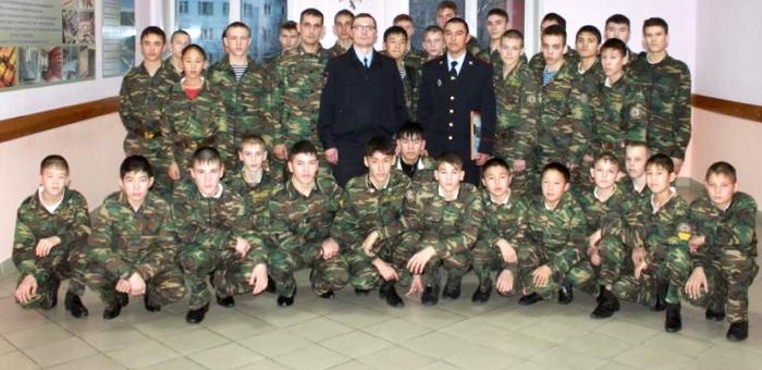 Финалист «Народного участкового» передал свой приз кадетам школы-интерната