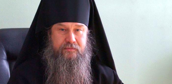 Бывшего алтайского епископа обвинили в избиении монахини