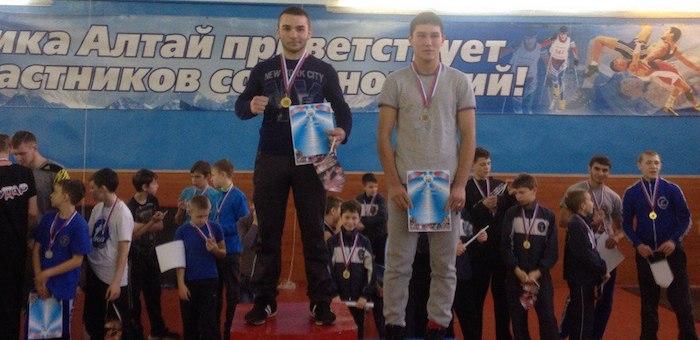 Три золота завоевали горно-алтайские кикбоксеры