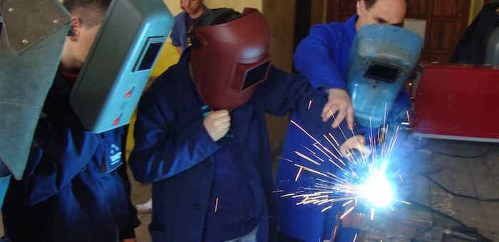 За год более тысячи жителей республики прошли профессиональное обучение
