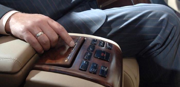 В Республике Алтай у «федералов» насчитали восемь дорогостоящих служебных автомобилей