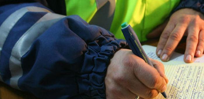 Пьяный водитель, пытавшийся отделаться от госинспектора взяткой, предстанет перед судом