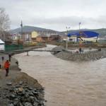 Фотофакт: Из-за обильных осадков в реках начал подниматься уровень воды