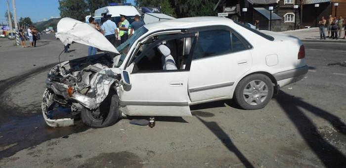 Шесть человек пострадали в автоавариях за сутки (фото)