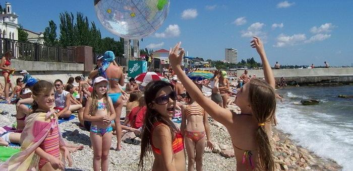 Дети из Горного Алтая отправились на отдых в Крым