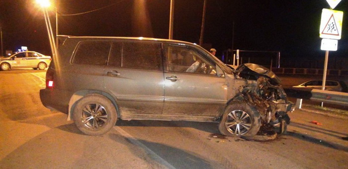 Два человека погибли в столкновении джипа и мотоцикла в Кош-Агаче