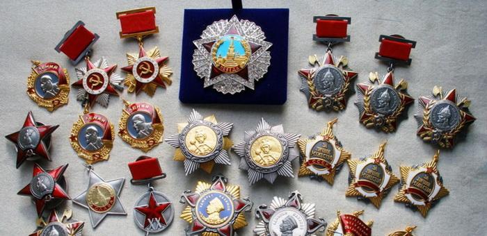Квартирные воры продали украденные медали ветерана ВОВ на рынке Барнаула