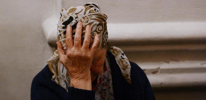 Мужчина, жестоко избивший пенсионерку, заплатит ей по решению суда 100 тыс. рублей