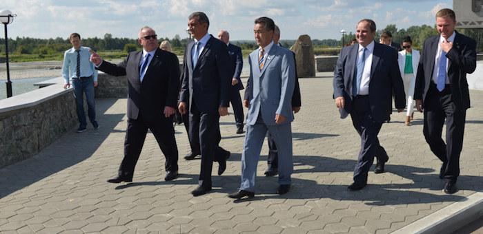 Завершился визит Сергея Меняйло на Алтай