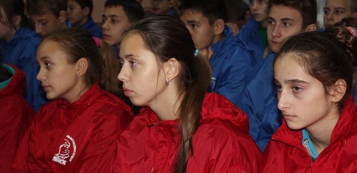 Юные поисковики из Республики Алтай отправились на профильную смену в «Орленок»
