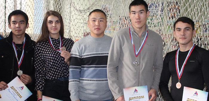 Горно-алтайские спортсмены стали призерами первенства по пауэрлифтингу