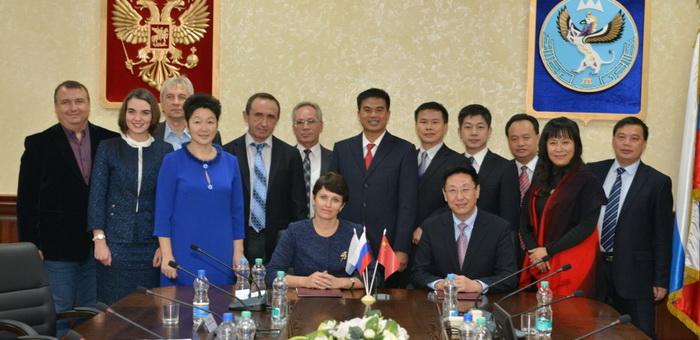 Горно-Алтайск посетила делегация китайского города Хэчи