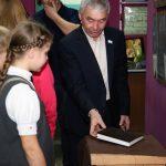 Выставка книги «Путешествия Гулливера» открылась в Горно-Алтайске (фото)