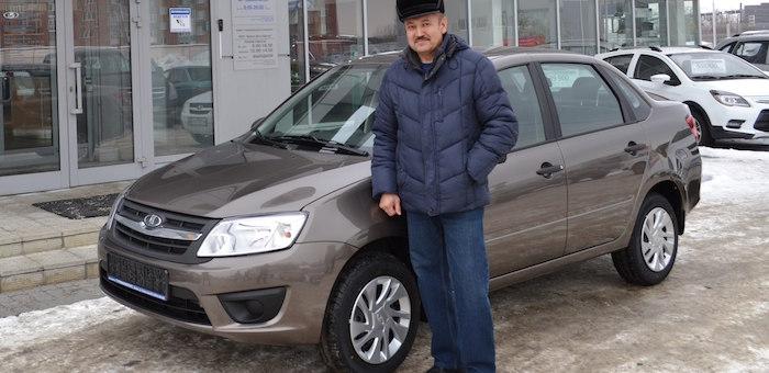 Житель Горно-Алтайска получил автомобиль от Фонда социального страхования