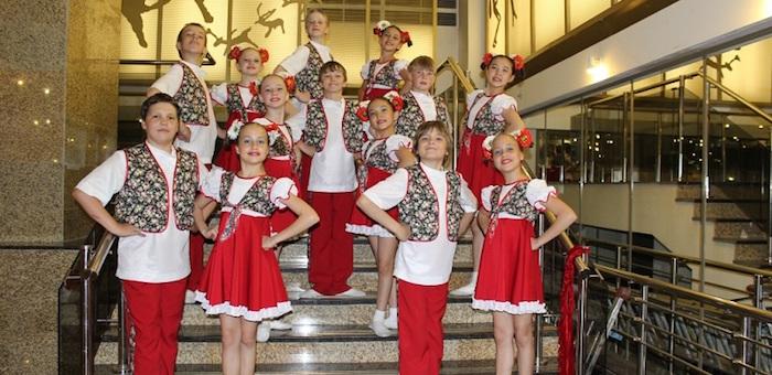 Ансамбль «Хрусталек» успешно выступил на фестивале «Рождественские звезды»