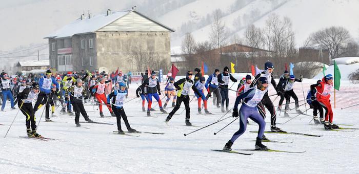 В Горно-Алтайске состоялись соревнования «Лыжня России» (фото)