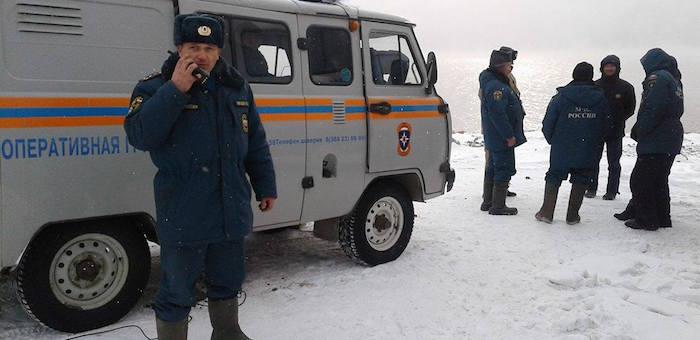 Операция по поиску упавшего в Телецкое озеро вертолета идет на Алтае
