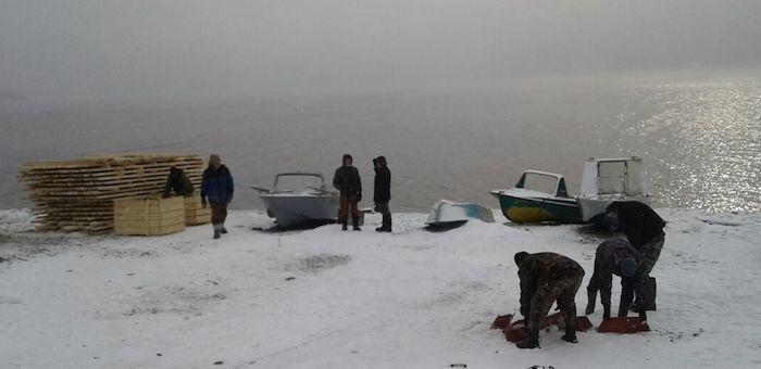 В районе поисков вертолета обнаружено тело женщины