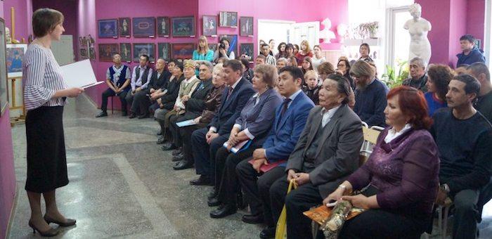 В Горно-Алтайске открылась выставка Амыра Укачина