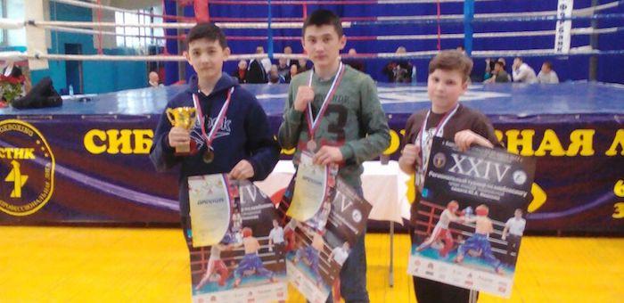 Горно-алтайские спортсмены успешно выступили на турнире по кикбоксингу в Барнауле