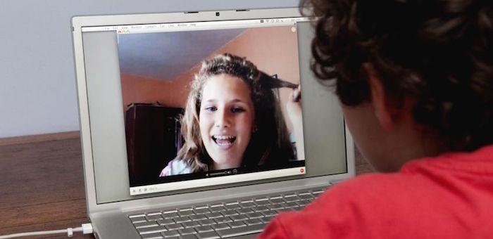 Неформальное общение увеличивает спрос на видеочаты