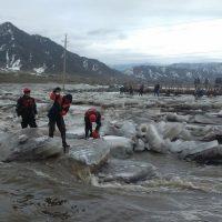 В Онгудае разрушили ледовый затор на реке Урсул (фото)