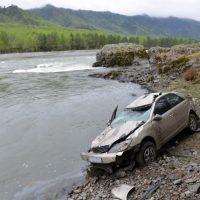 Автотуристы спровоцировали несколько ДТП в Республике Алтай (фото)