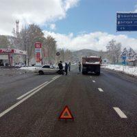 Водитель иномарки пострадал в аварии на Чуйском тракте (фото)