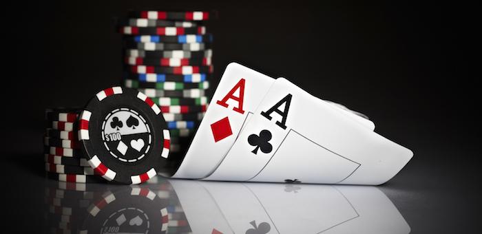 За организацию игры в покер мужчину приговорили к ограничению свободы