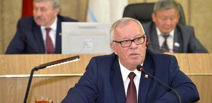 Бердников выступил в Госсобрании с отчетом о работе правительства