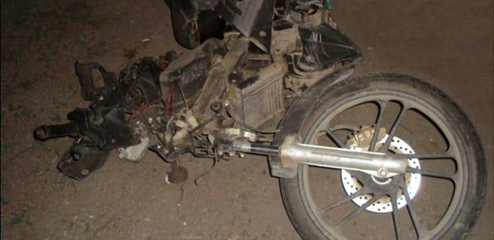 Мотоциклист в Турочаке врезался в теленка и погиб