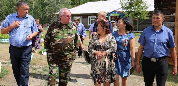 Глава региона встретился с жителями Паспарты и Кара-Кудюра