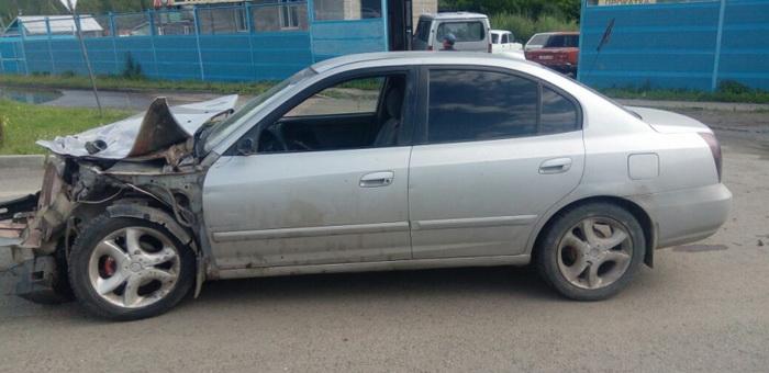 Водитель без прав въехал в ограждение на Чуйском тракте