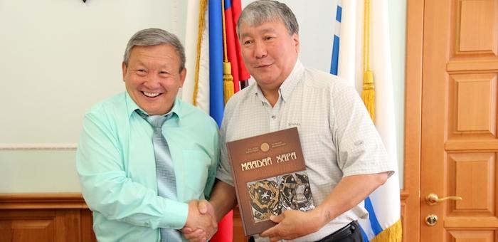 Алтайский эпос «Маадай-Кара» перевели на якутский язык