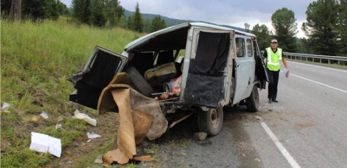 УАЗ перевернулся на Семинском перевале (фото)
