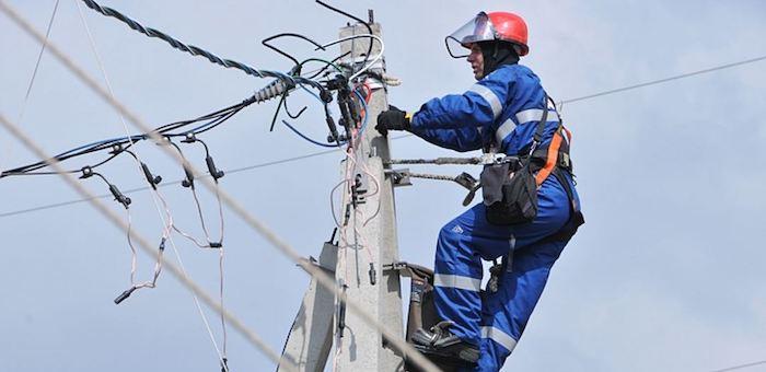 В Турочаке полностью восстановили электроснабжение