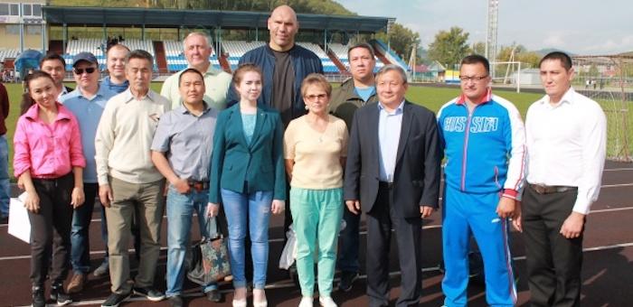 Знаменитый спортсмен Николай Валуев посетил Горно-Алтайск