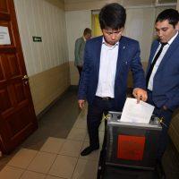 Как депутаты мэра Горно-Алтайска выбрали (фоторепортаж)