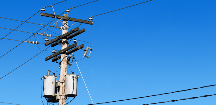 В Кош-Агачском и Усть-Коксинском районах восстанавливают электроснабжение