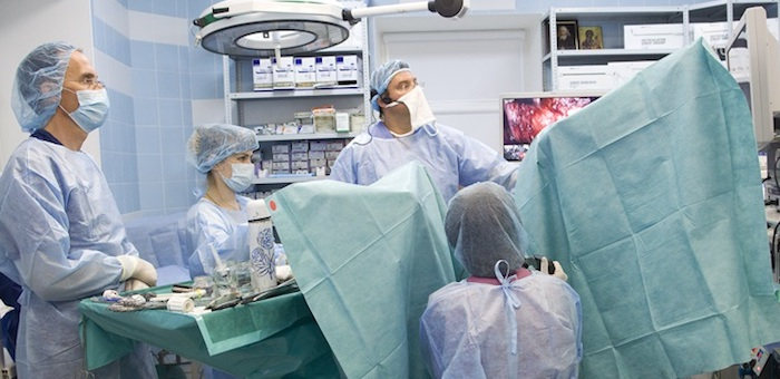 В ресбольнице впервые провели уникальную операцию на селезенке