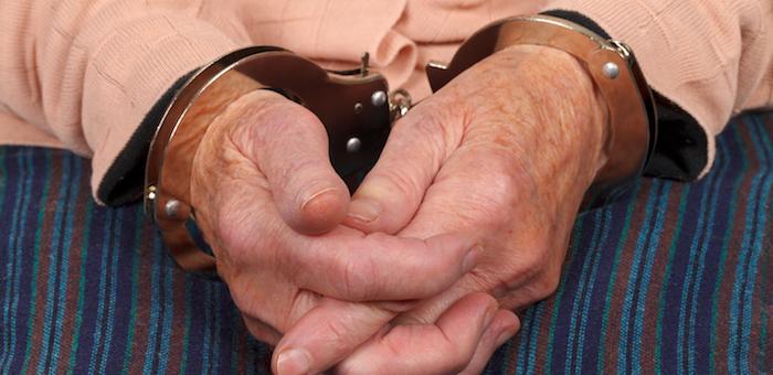 83-летнего жителя Чемала будут судить за совращение двух девочек