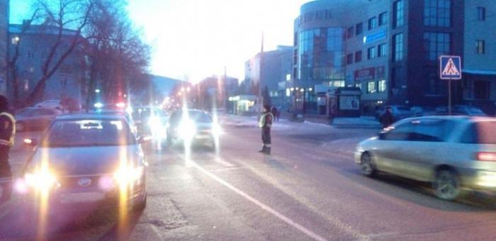 На «зебре» около «Байтерека» сбили пешехода