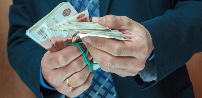 Главе Чойского района Борисову инкриминируют 8 млн рублей
