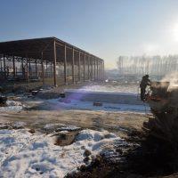 Помощник президента проинспектировал строительство ледового дворца в Майме