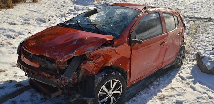 Автомобиль под управлением жительницы Чемала рухнул с обрыва в Катунь