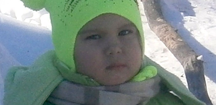 Следователи просят помочь в поисках пропавшей в Усть-Коксе девочки